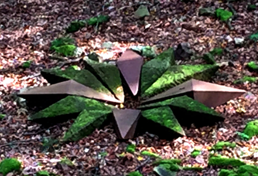 Doppelspitzbarren, Stern, Skulptur, Roheisen