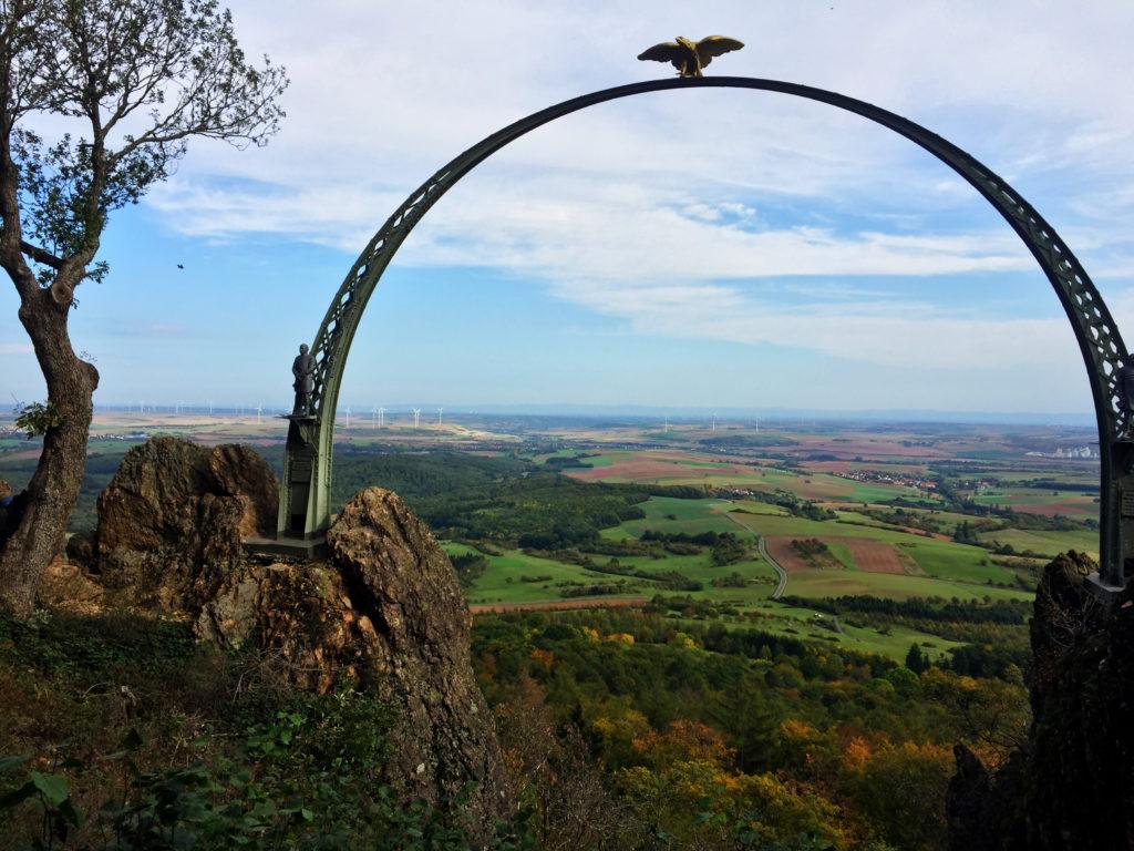 Dannenfelser Adlerbogen, Aussicht, Denkmal, Dannenfels
