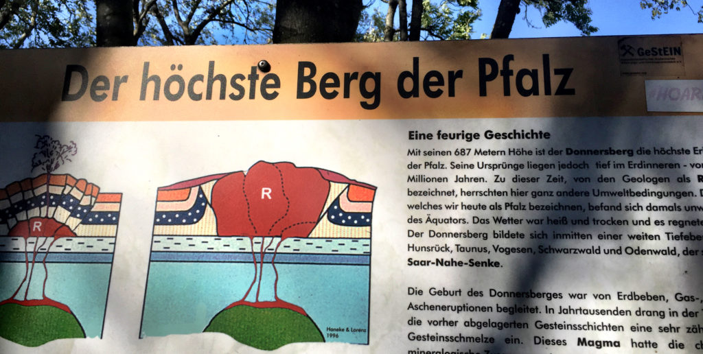 Der höchste Berg der Pfalz, Königsstuhl, Donnersberg, Pfalz, Infotafel