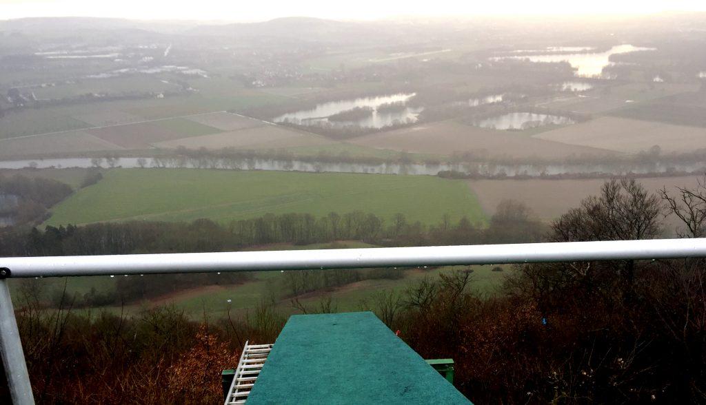 Aussicht im Regen, Weser, Wittekindsburg,