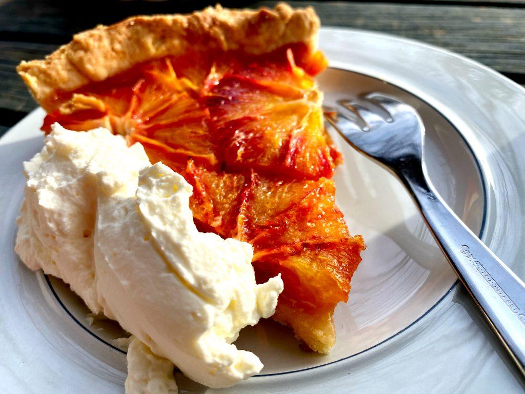 Orangen Crostata auf teller