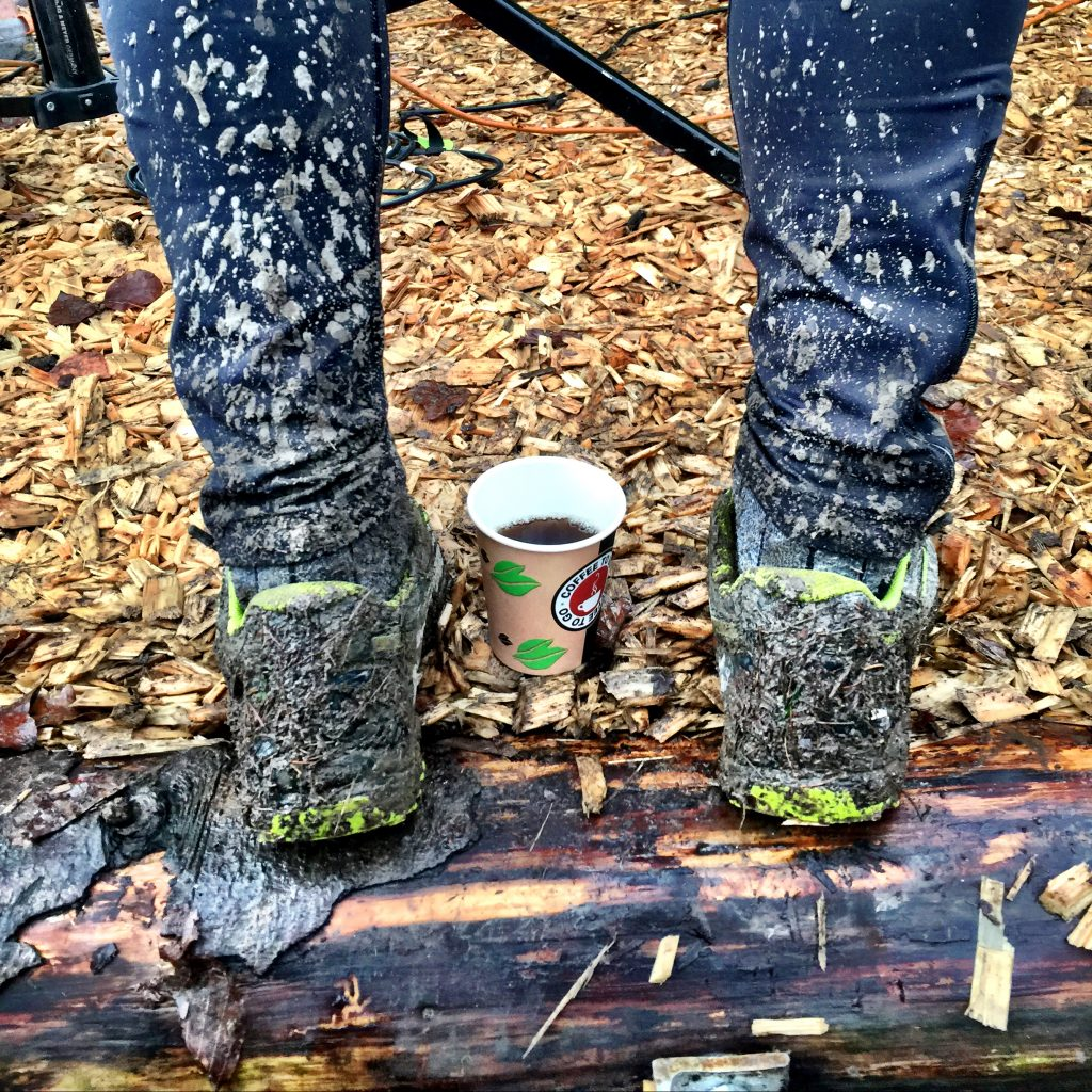 dreckige Schuhe, Walking, Tee, Dopingprobe