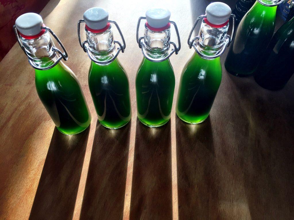 Schnittlauöl, grün, Schattenwurf,